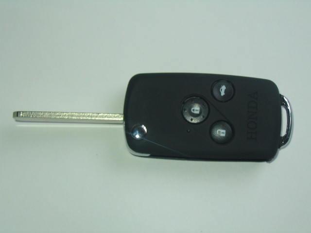 本田一代折叠-汽车钥匙 苏州开锁 苏州开锁公司 苏州换锁 苏州换锁公高清图片